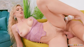 Blonde bitch smashes the big unearth in energized couch fuck
